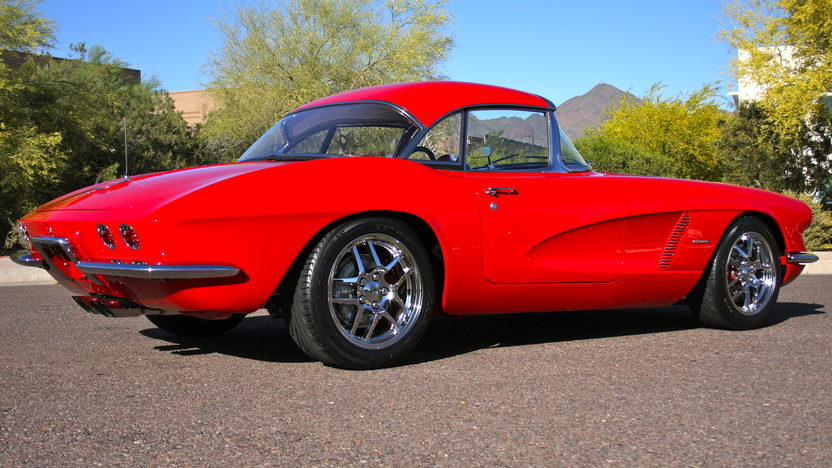 1962 Chevrolet Corvette Z06 Resto Mod 485 HP, 6-Speed   presented as lot F126 at Monterey, CA 2010 - image8