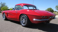 1962 Chevrolet Corvette Z06 Resto Mod 485 HP, 6-Speed   presented as lot F126 at Monterey, CA 2010 - thumbail image2