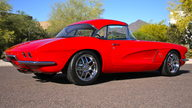 1962 Chevrolet Corvette Z06 Resto Mod 485 HP, 6-Speed   presented as lot F126 at Monterey, CA 2010 - thumbail image8