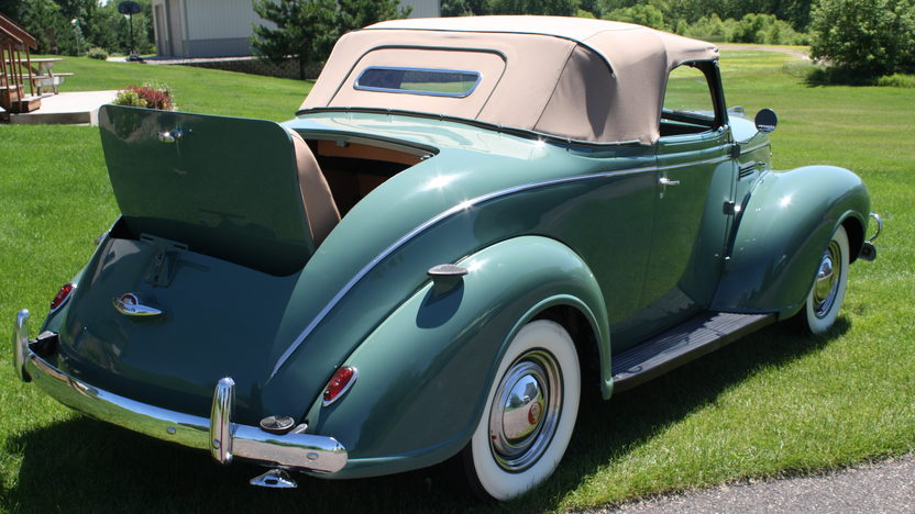 1939 Plymouth  Convertible 6 Cyl, 3-Speed presented as lot F143 at Monterey, CA 2010 - image2