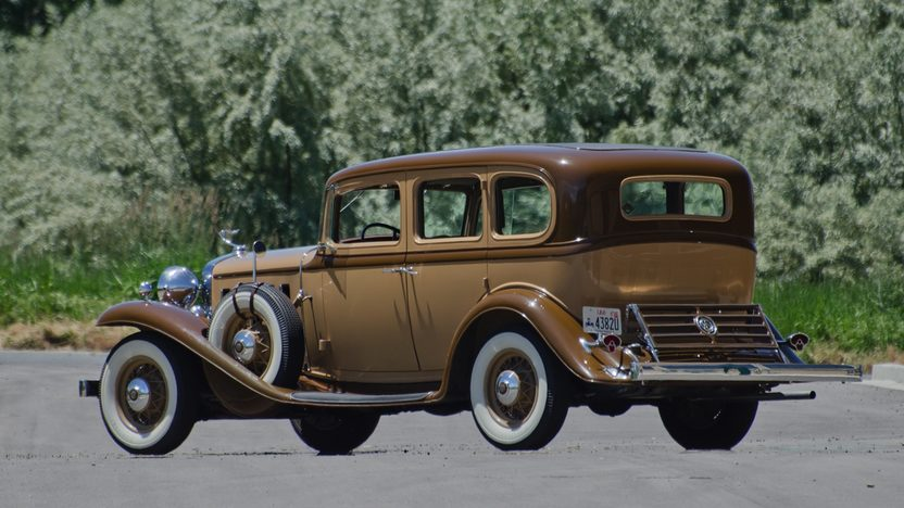 1932 Cadillac LaSalle 3-Speed presented as lot F66 at Monterey, CA 2011 - image2