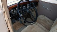 1932 Cadillac LaSalle 3-Speed presented as lot F66 at Monterey, CA 2011 - thumbail image5