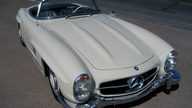 1961 Mercedes-Benz 300 SL Roadster presented as lot S85 at Monterey, CA 2011 - thumbail image3