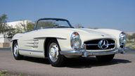 1961 Mercedes-Benz 300 SL Roadster presented as lot S85 at Monterey, CA 2011 - thumbail image4