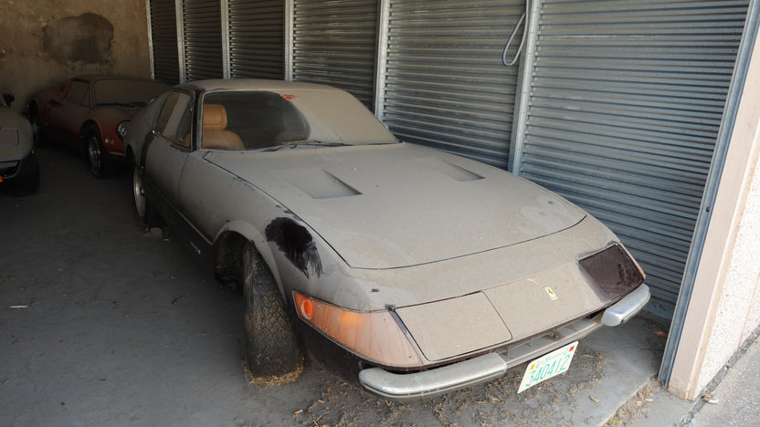 1972 Ferrari 365 GTB/4 Daytona Barn Find with 9,752 miles presented as lot S89 at Monterey, CA 2011 - image7