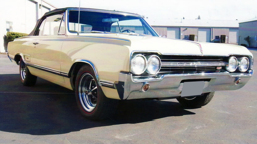 1965 Oldsmobile 442 Convertible 400/345 HP, 4-Speed presented as lot S51 at Monterey, CA 2011 - image2