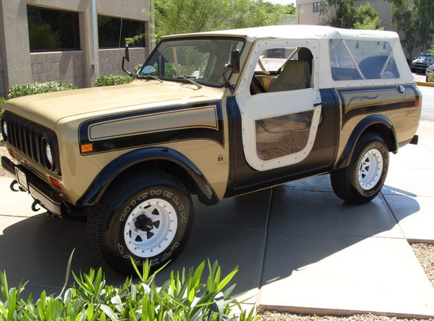 1977 International Scout SSII Matching Numbers Award Winner presented as lot T187 at Monterey, CA 2012 - image8