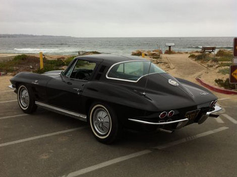 1964 Chevrolet Corvette Coupe 327/375 HP, Fuel Injection presented as lot F82 at Monterey, CA 2012 - image2