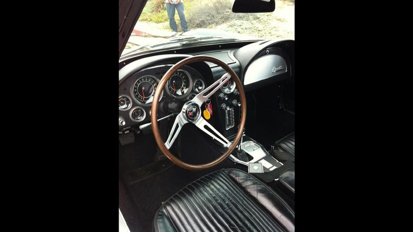 1964 Chevrolet Corvette Coupe 327/375 HP, Fuel Injection presented as lot F82 at Monterey, CA 2012 - image3