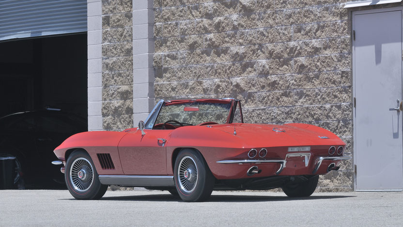 1967 Chevrolet Corvette Convertible 427/435 HP, Bloomington Gold Certified presented as lot S143 at Monterey, CA 2012 - image2