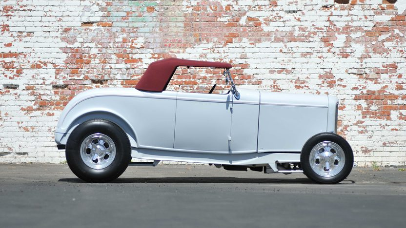 1932 Ford Roadster Street Rod 350/350 HP, Gibbons Body presented as lot F75.1 at Monterey, CA 2013 - image2