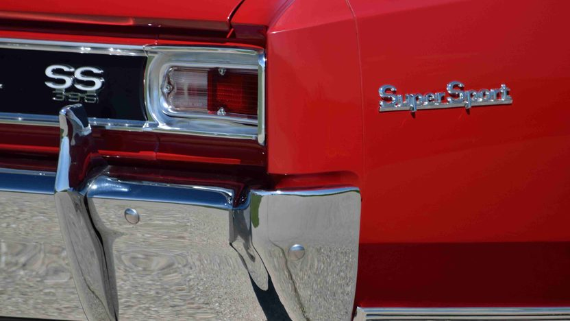 1966 Chevrolet Chevelle SS Convertible 396/360 HP, 4-Speed presented as lot F42 at Monterey, CA 2013 - image10