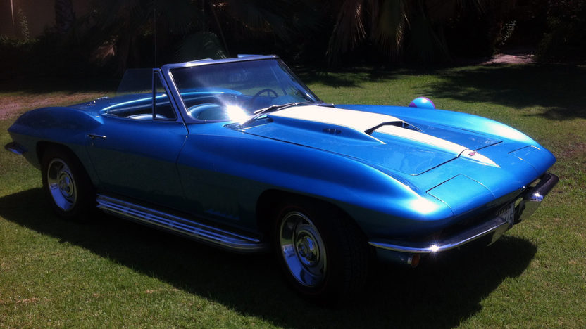1967 Chevrolet Corvette Convertible 427/390 HP, 4-Speed presented as lot F45 at Monterey, CA 2013 - image7