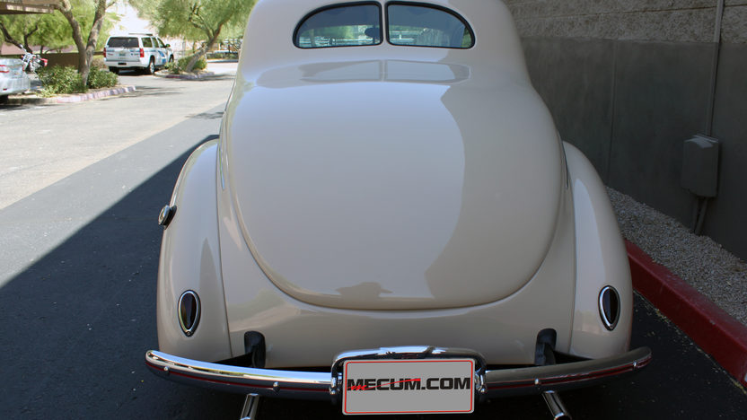 1939 Ford Deluxe Coupe 383 CI, 4-Speed presented as lot F46 at Monterey, CA 2013 - image3