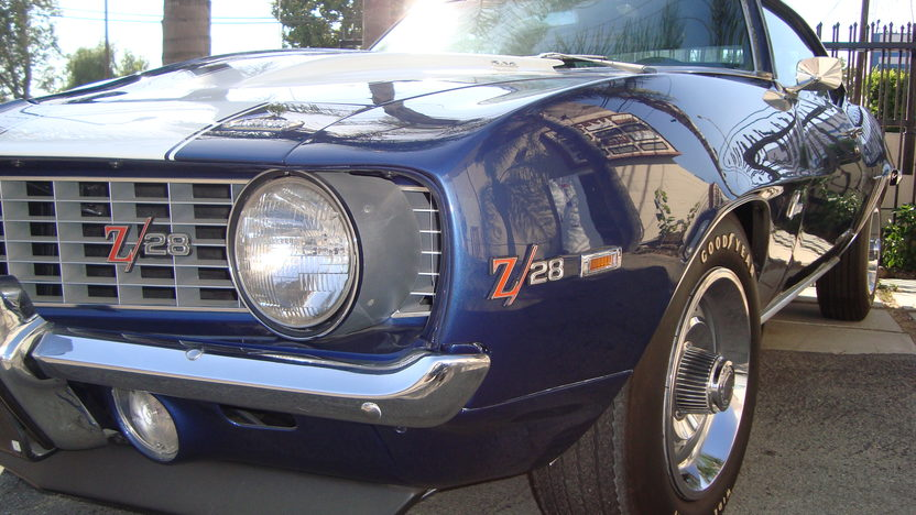 1969 Chevrolet Camaro Z28 302 CI, 4-Speed presented as lot F56 at Monterey, CA 2013 - image5