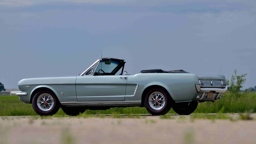 1965 Ford Mustang Convertible K-Code 289/271 HP, 4-Speed presented as lot F58 at Monterey, CA 2013 - image2