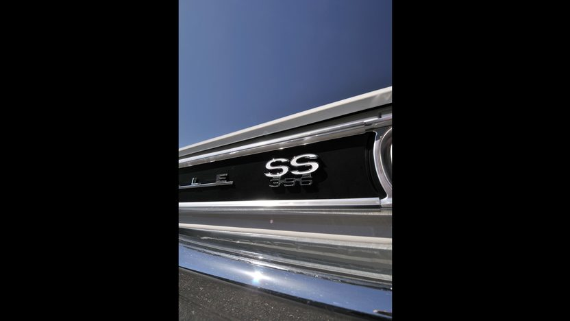 1966 Chevrolet Chevelle SS 396/350 HP, 4-Speed presented as lot F61 at Monterey, CA 2013 - image8