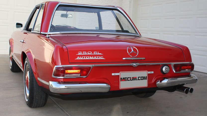 1967 Mercedes-Benz 250SL Pagoda Rare 2+2 Seating presented as lot F72 at Monterey, CA 2013 - image3