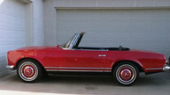 1967 Mercedes-Benz 250SL Pagoda Rare 2+2 Seating presented as lot F72 at Monterey, CA 2013 - thumbail image5