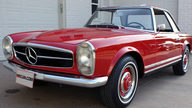 1967 Mercedes-Benz 250SL Pagoda Rare 2+2 Seating presented as lot F72 at Monterey, CA 2013 - thumbail image7