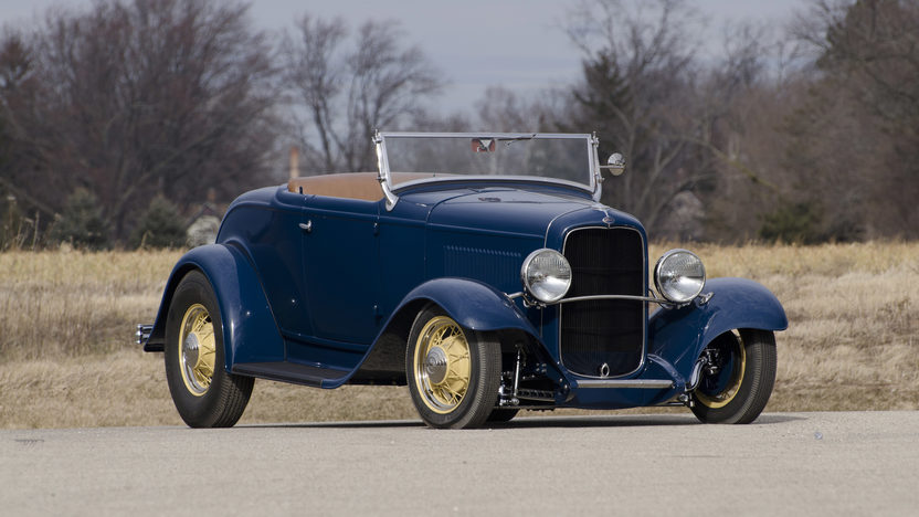 1932 Ford Roadster Tri-Power Flathead V-8 presented as lot F86 at Monterey, CA 2013 - image8