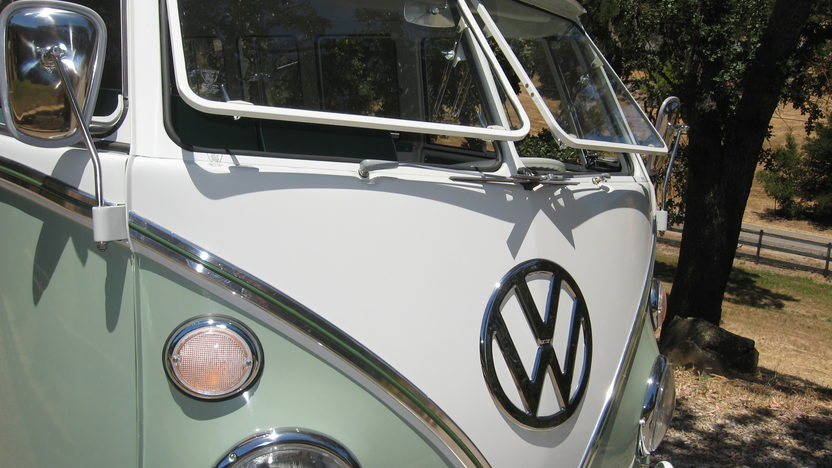 1965 Volkswagen Bus 1500 CC, 4-Speed presented as lot F91 at Monterey, CA 2013 - image10