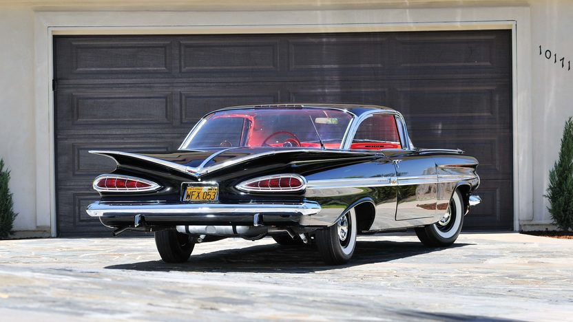 1959 Chevrolet Impala Fuelie 283/290 HP, 4-Speed presented as lot F119 at Monterey, CA 2013 - image3