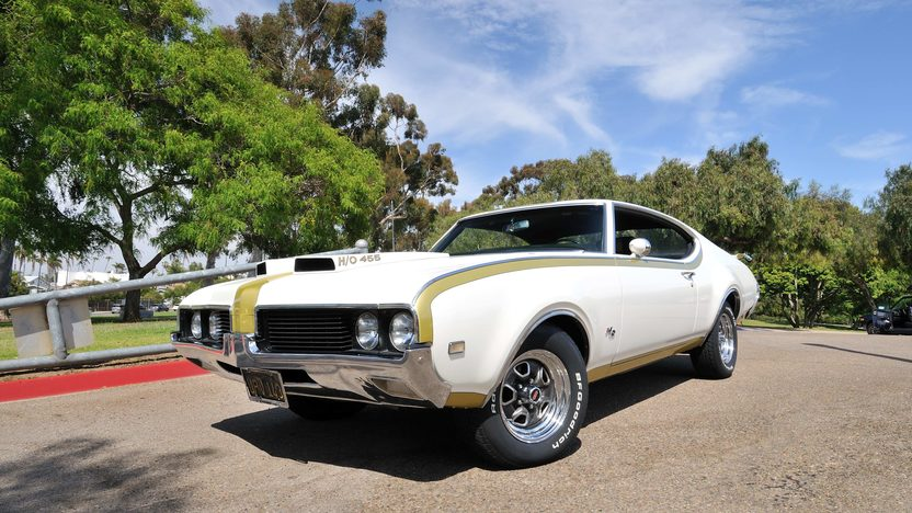 1969 Oldsmobile Hurst 442 455 HO, #211 of 912 Built presented as lot F179 at Monterey, CA 2013 - image12