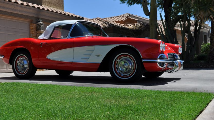 1961 Chevrolet Corvette Convertible 383 CI, 5-Speed presented as lot S45 at Monterey, CA 2013 - image11