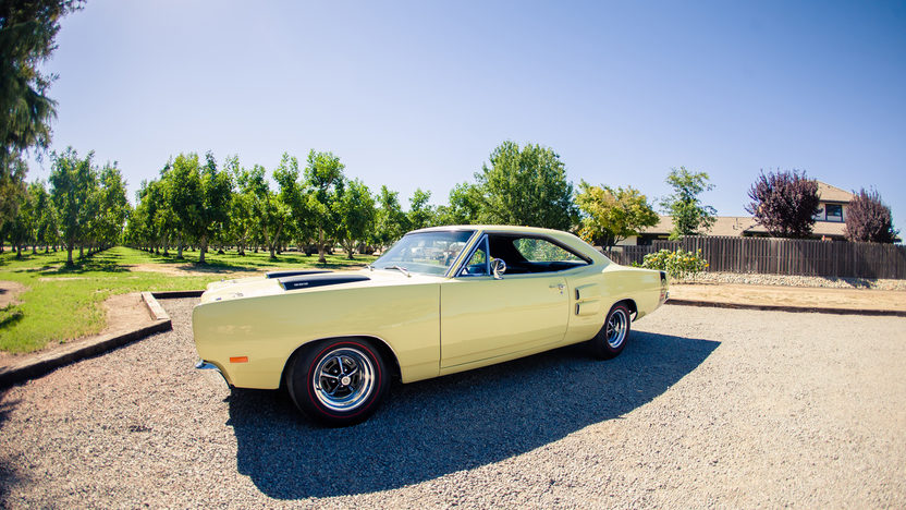 1969 Dodge Super Bee 383 CI, 4-Speed presented as lot S49 at Monterey, CA 2013 - image10