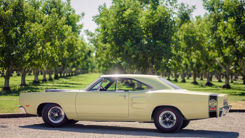 1969 Dodge Super Bee 383 CI, 4-Speed presented as lot S49 at Monterey, CA 2013 - image2