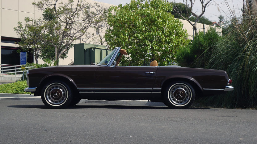 1969 Mercedes-Benz 280SL Pagoda Convertible 4-Speed, Two Tops presented as lot S109 at Monterey, CA 2013 - image2
