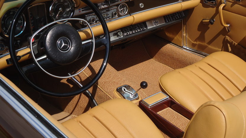 1969 Mercedes-Benz 280SL Pagoda Convertible 4-Speed, Two Tops presented as lot S109 at Monterey, CA 2013 - image4