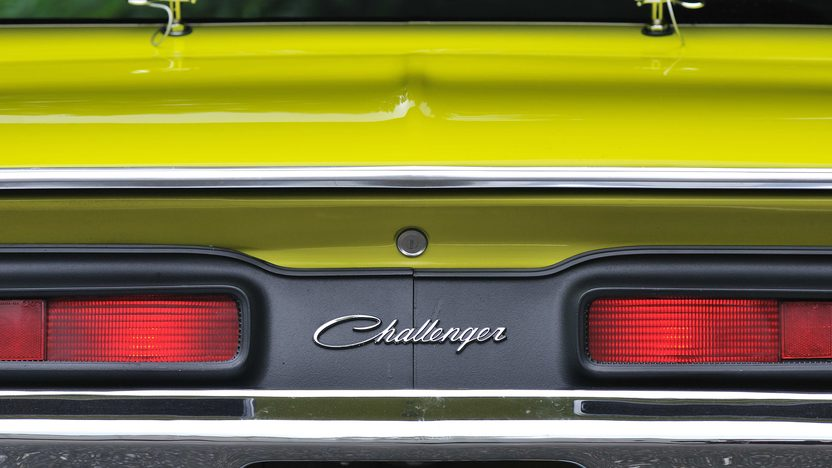 1971 Dodge Challenger R/T V-Code 440 Six Pack presented as lot S125 at Monterey, CA 2013 - image11