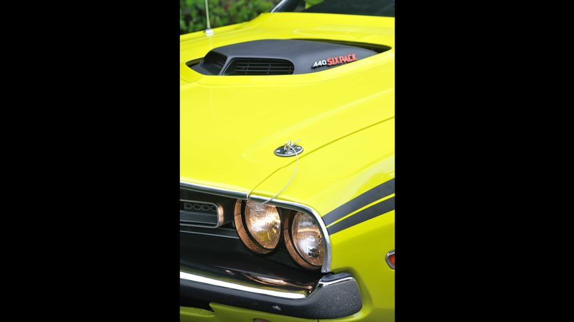 1971 Dodge Challenger R/T V-Code 440 Six Pack presented as lot S125 at Monterey, CA 2013 - image7