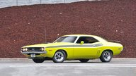 1971 Dodge Challenger R/T V-Code 440 Six Pack presented as lot S125 at Monterey, CA 2013 - thumbail image12
