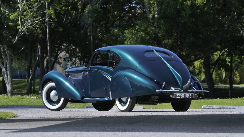 1938 Delage D8-120 Aerosport Coupe Coachwork by LeTourneur et Marchand presented as lot S150 at Monterey, CA 2013 - image3