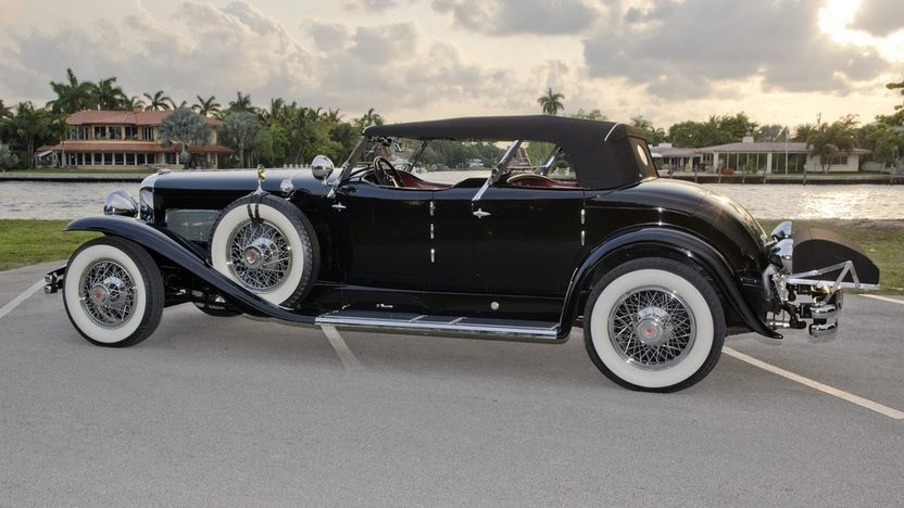 1930 Duesenberg Model J Torpedo Phaeton Upgraded Coachwork by Fran Roxas of Chicago presented as lot S154 at Monterey, CA 2013 - image2