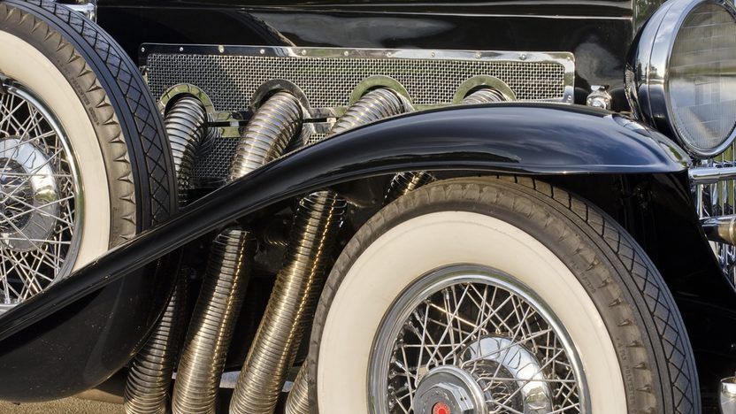 1930 Duesenberg Model J Torpedo Phaeton Upgraded Coachwork by Fran Roxas of Chicago presented as lot S154 at Monterey, CA 2013 - image9