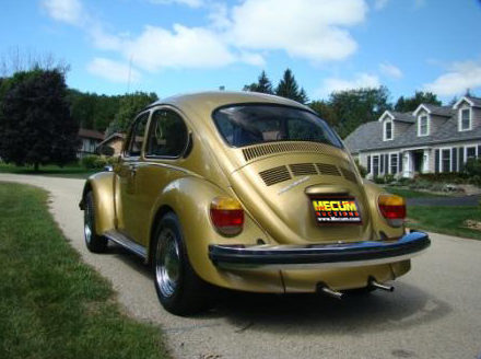1974 Volkswagen Beetle 4-Speed presented as lot T13 at St. Charles, IL 2011 - image2