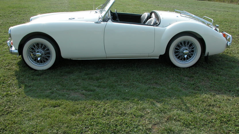 1962 MG A Mark II Roadster presented as lot T20 at St. Charles, IL 2011 - image2