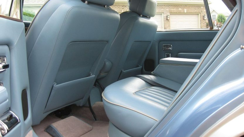 1984 Rolls-Royce Silver Spirit 4-Door 6.8L, Automatic presented as lot T41 at St. Charles, IL 2011 - image6