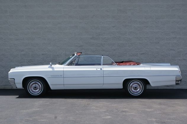 1963 Oldsmobile Dymanic 88 Convertible 394/280 HP, Automatic presented as lot T43 at St. Charles, IL 2011 - image2