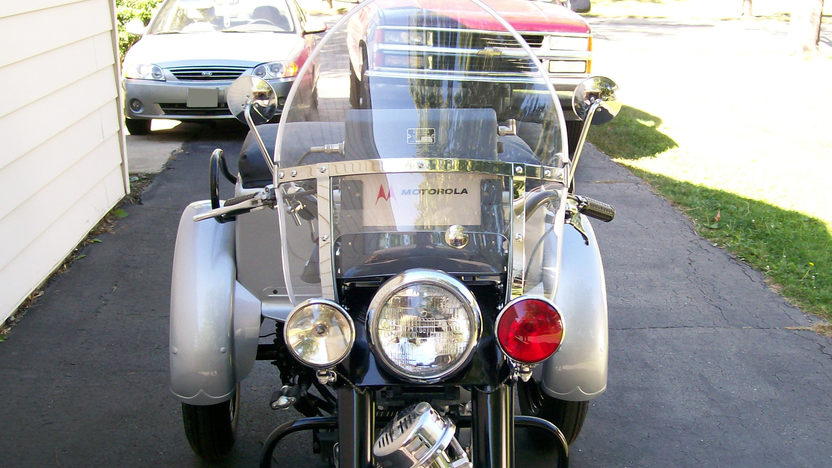 1958 Harley-Davidson G-Police Servi Car 750CC, 3-Speed presented as lot T44 at St. Charles, IL 2011 - image3