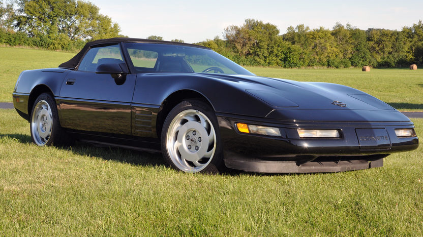 1991 Chevrolet Corvette Convertible 350/250 HP, Automatic presented as lot T45 at St. Charles, IL 2011 - image3