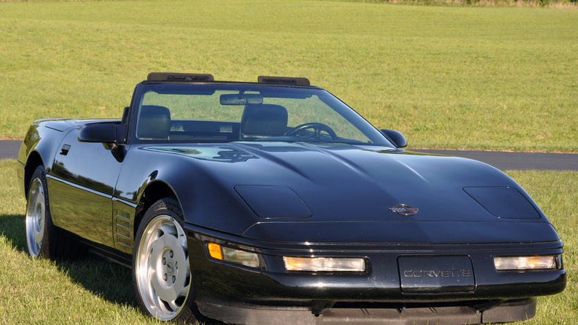 1991 Chevrolet Corvette Convertible 350/250 HP, Automatic presented as lot T45 at St. Charles, IL 2011 - image8
