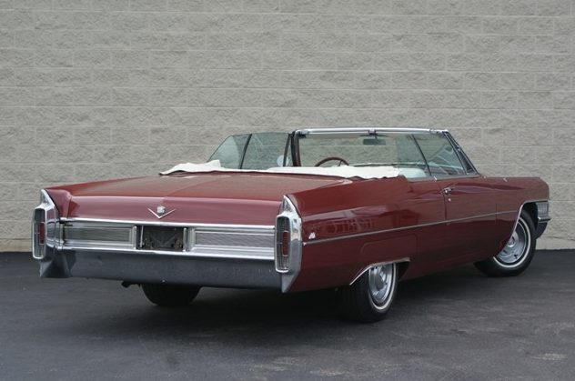 1965 Cadillac Deville Convertible 427 CI, Automatic presented as lot T46 at St. Charles, IL 2011 - image3