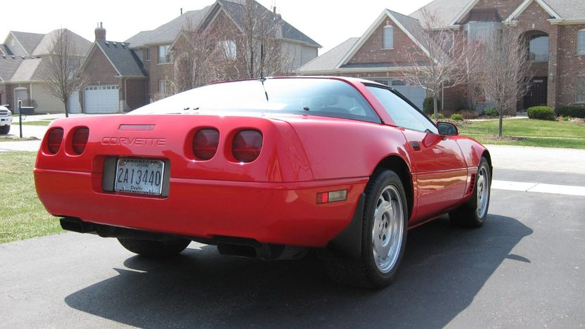 1995 Chevrolet Corvette 5.7L, Automatic presented as lot T52 at St. Charles, IL 2011 - image5
