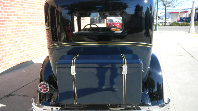 1929 Hupmobile Century Six Sedan presented as lot T56 at St. Charles, IL 2011 - image2