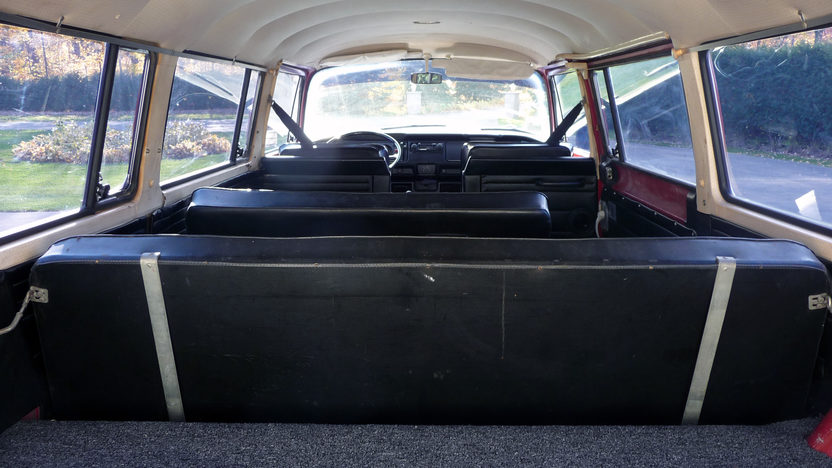 1970 Volkswagen Type 2 Station Wagon presented as lot T67 at St. Charles, IL 2011 - image7